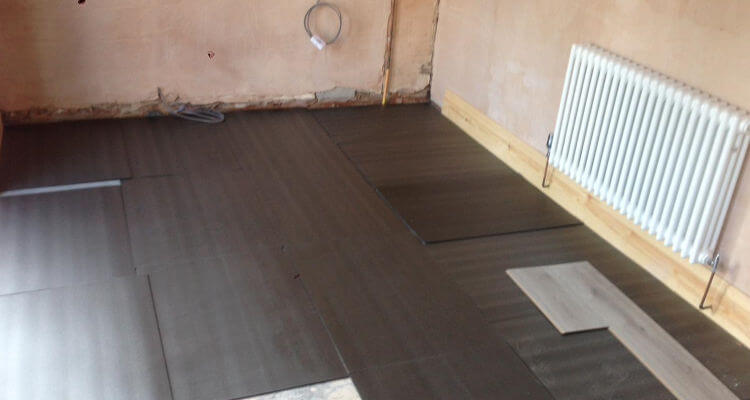 laminate floor fitter in Poynton