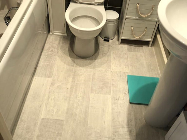 Coushion floor installed in bathroom